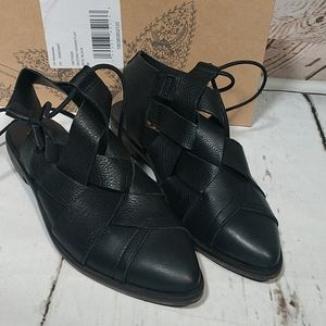 Free People Destino Woven Flat in Black